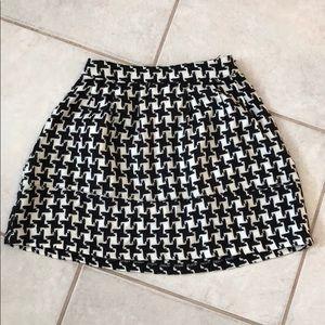 Dresses & Skirts - Houndstooth Skirt